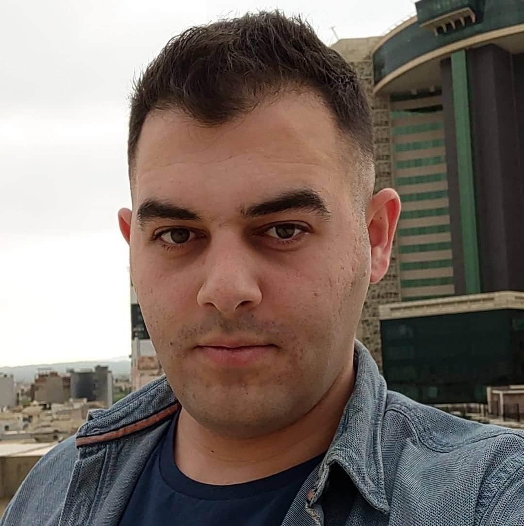 Headshot of international student Ehsan Mamakani